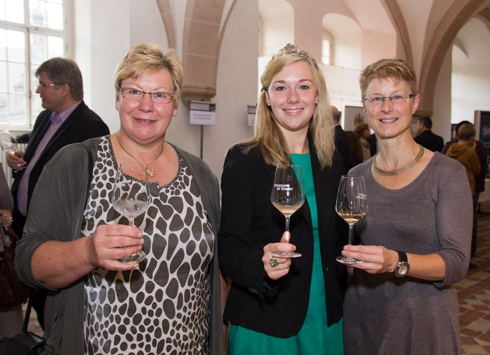 Christa Guth mit deutscher Weinprinzessin Sabine Wagner im Kloster Eberbach